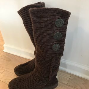 UGG knit boots in Chocolate NEVER worn.  Size 8